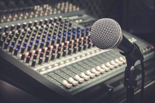 """La censura y su """"manual de estilo"""" en la radio venezolana"""